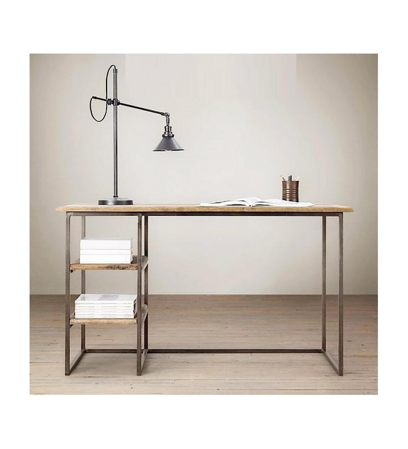 biuro z drewna i metalu